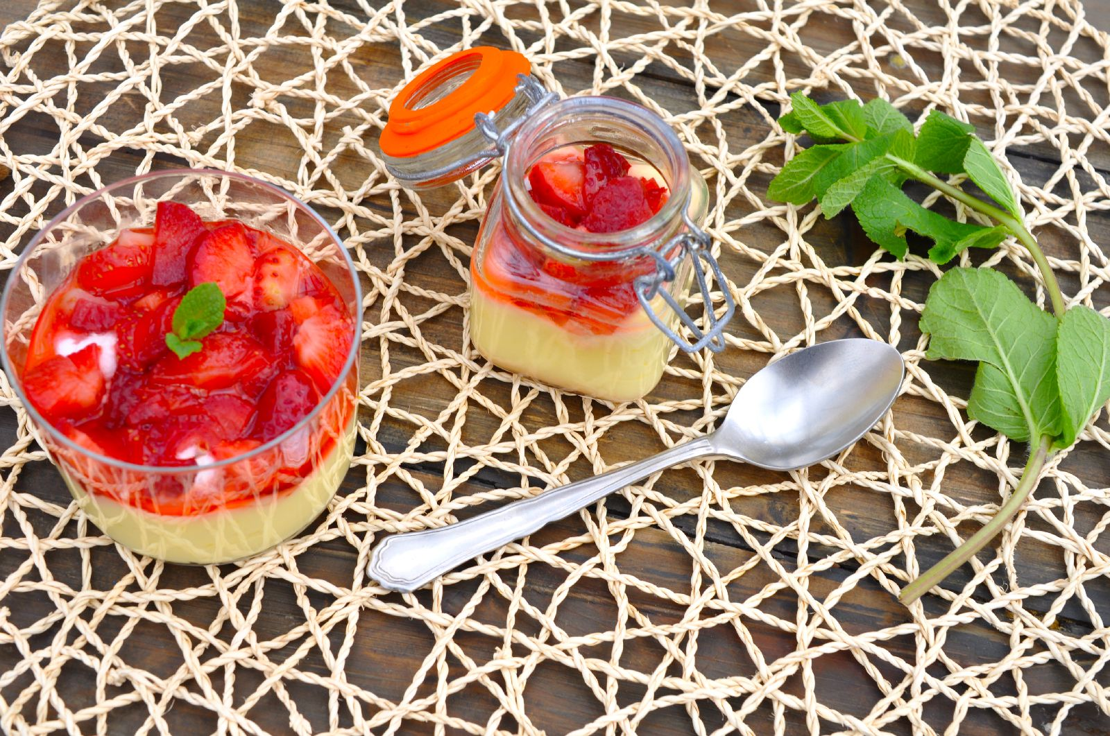 Limonina krema z jagodami1_web